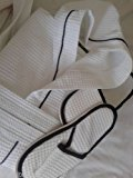 MENS COTTON WAFFLE HOODED BATHROBE & SLIPPERS WHITE WITH BLACK PIPING 4 SIZES ALL SIZES ARE IN CENTIMETERS